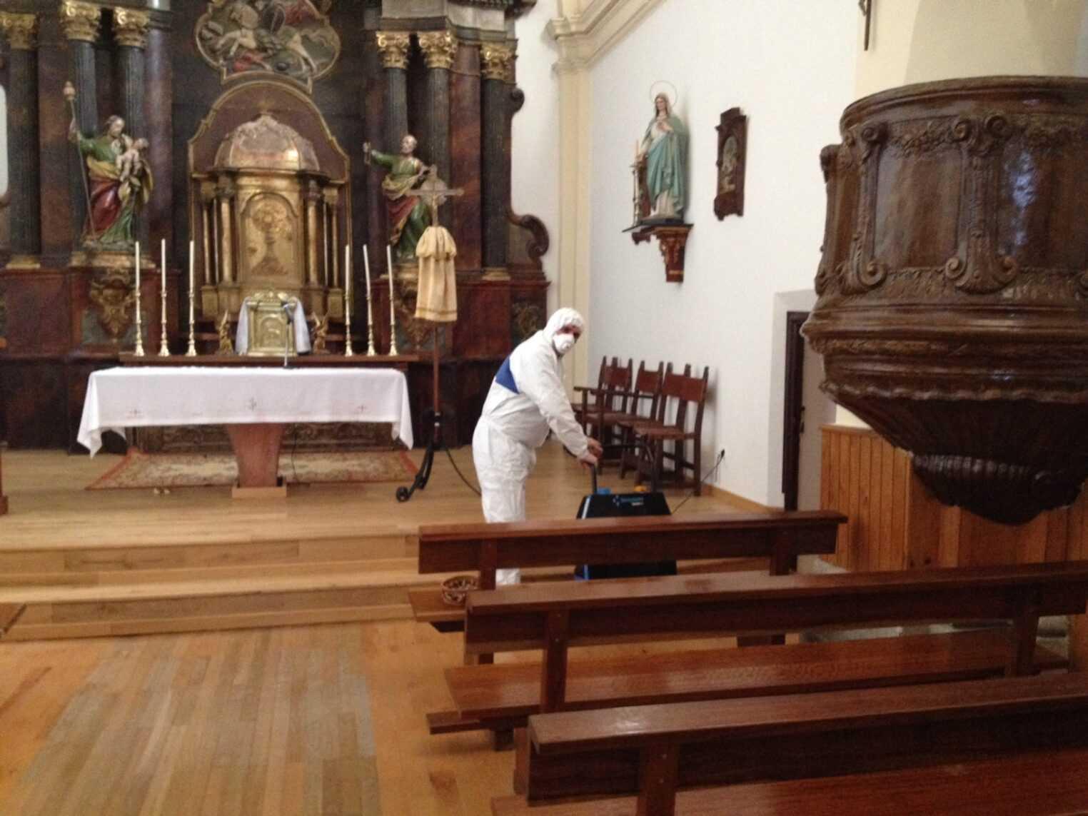 limpieza De la Iglesia ozono
